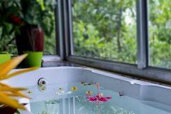 bathtub-min